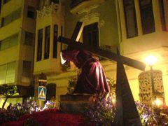 Büßer mit Jesus Christus Pasos und Holzkreuz