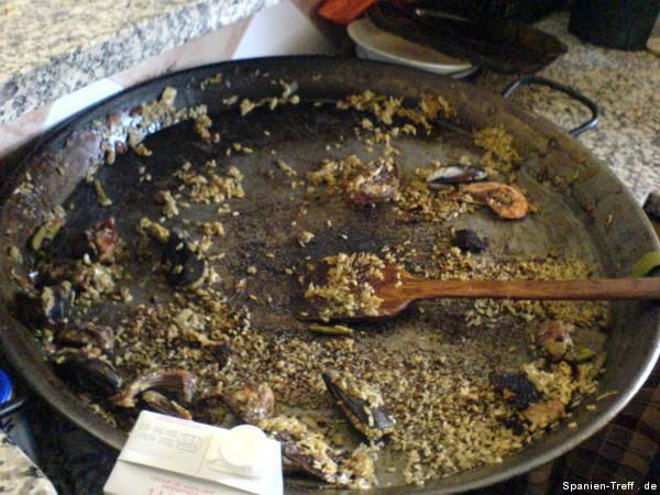Die Paella nach dem Essen