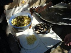 Paella putzen und Zutaten
