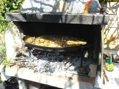 Paella über dem Feuer