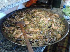 Die fertige Paella