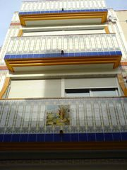 Kunstvoll gekachelte Balkone