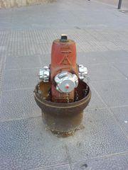 Offener Feuerwehrhydrant