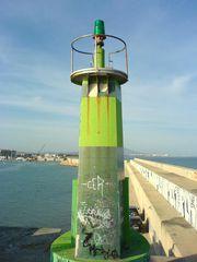 Leuchtturm am Wellenbrecher