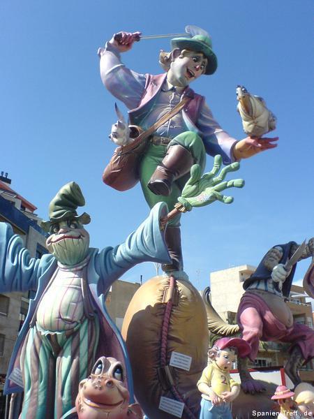 Fallas Figuren in Benicarló