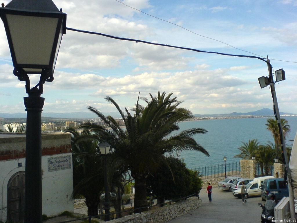 Blick über Peñíscola zum Meer