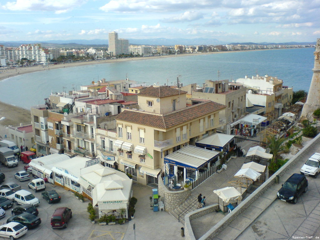 Blick über den Hauptplatz von Peñíscola