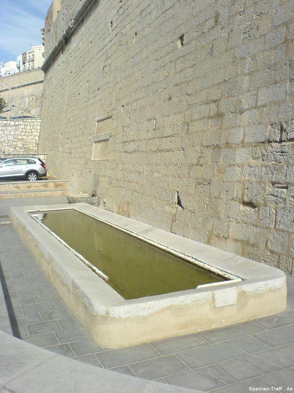 Stein-Waschbecken von Peñíscola