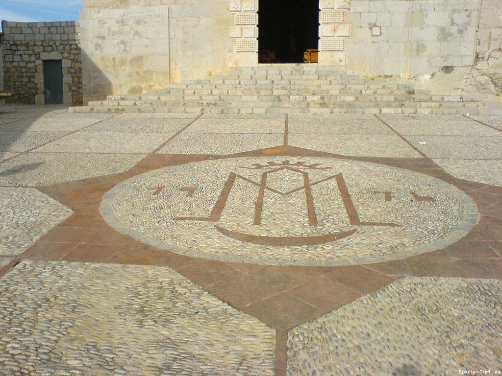 Bodenmosaik der Kirche von Peñíscola