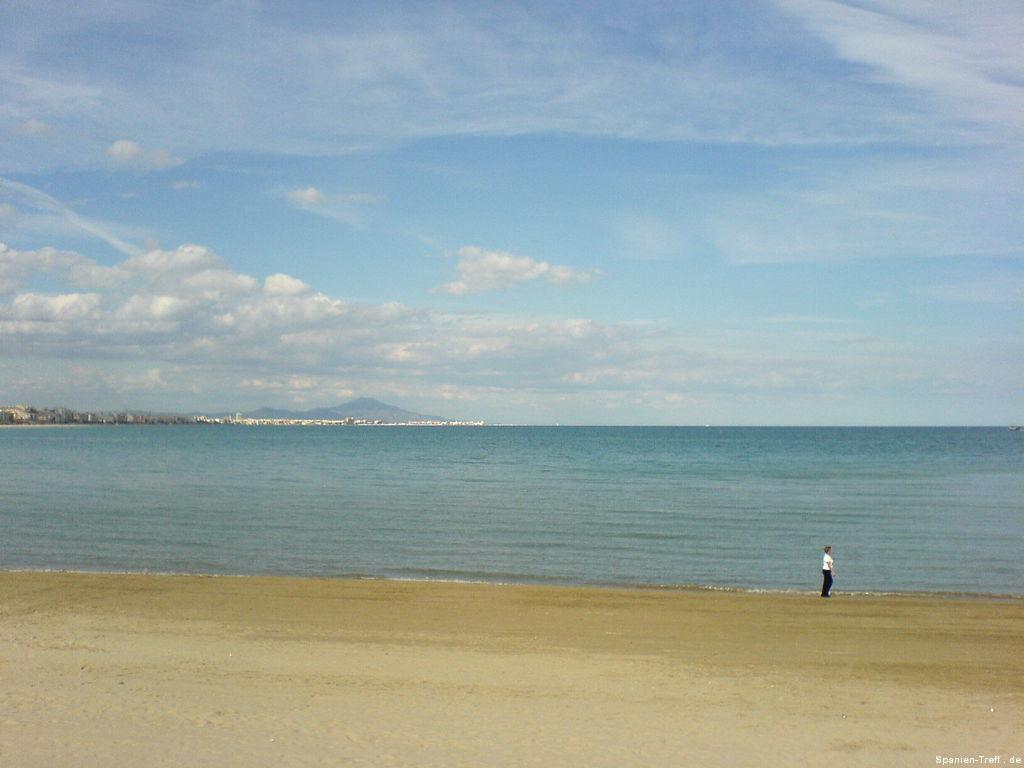 Strand von Peñíscola und Blick aufs Meer