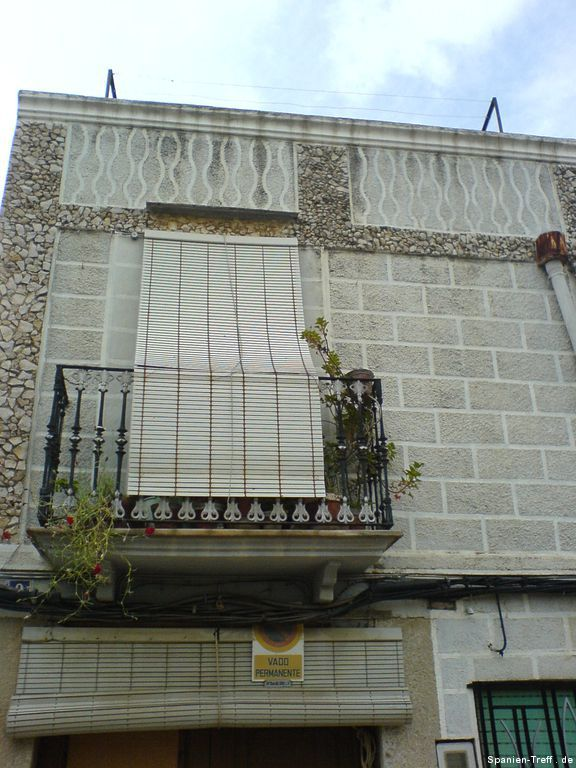 Jalousie über Balkon