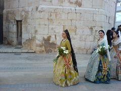 Frau in traditioneller, spanischer Tracht