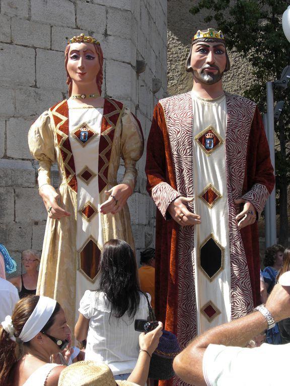 König und Königin als Riesenpaar - Gigantes y Cabezudos