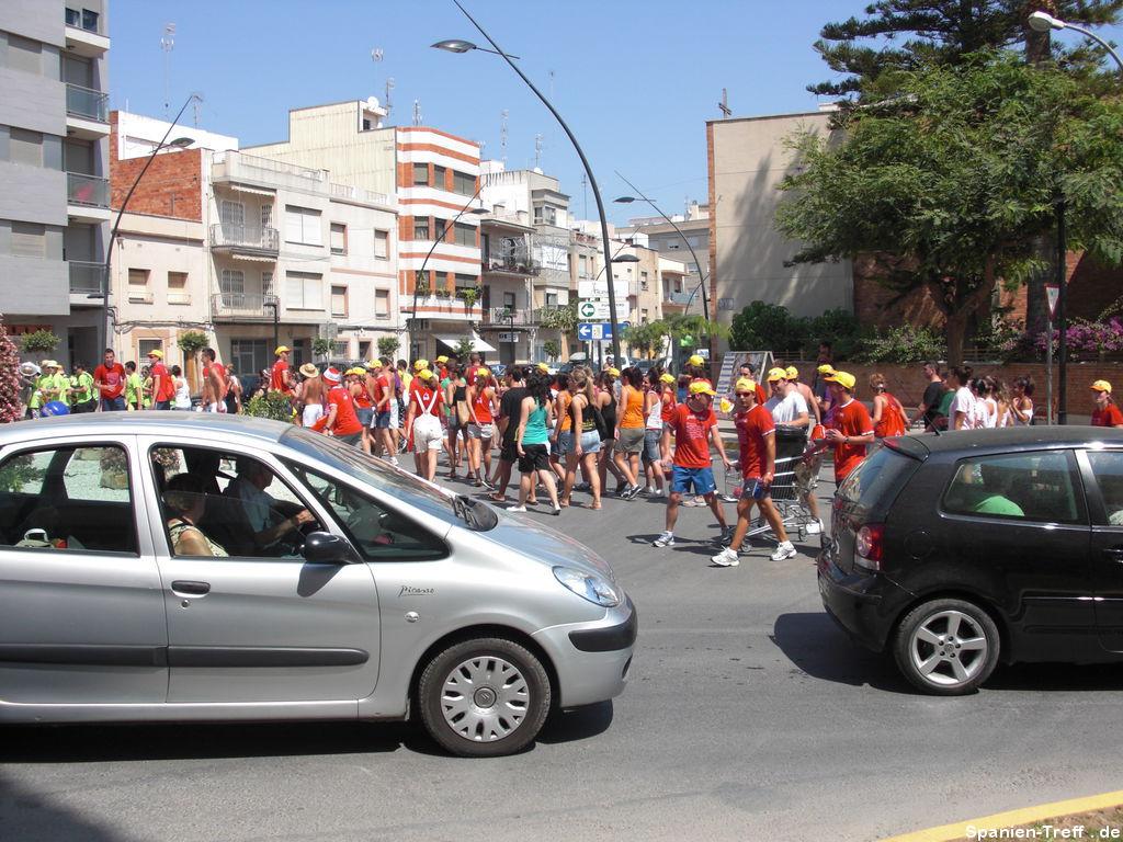 Peña auf dem Weg zur Eröffnung der Fiesta
