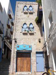 Muschelhaus mit Fasade aus Muscheln.