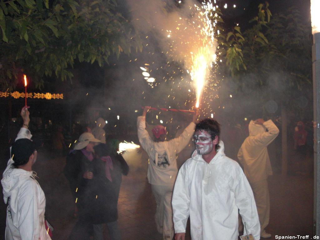 Correfoc - Die Feuerteufel bei der Arbeit
