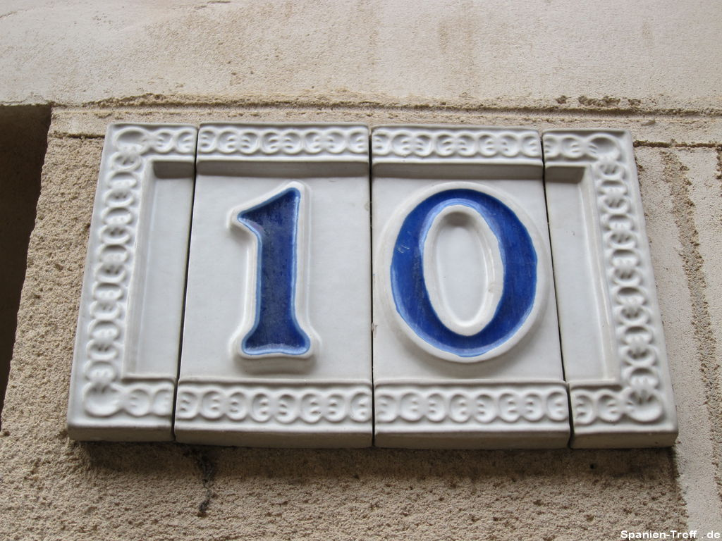 Hausnummer als Keramikfliese