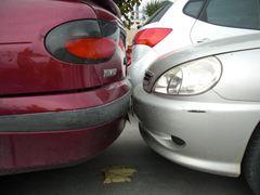 Stoßstange an Stoßstange Parken - nah