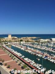 Hafen mit Turm