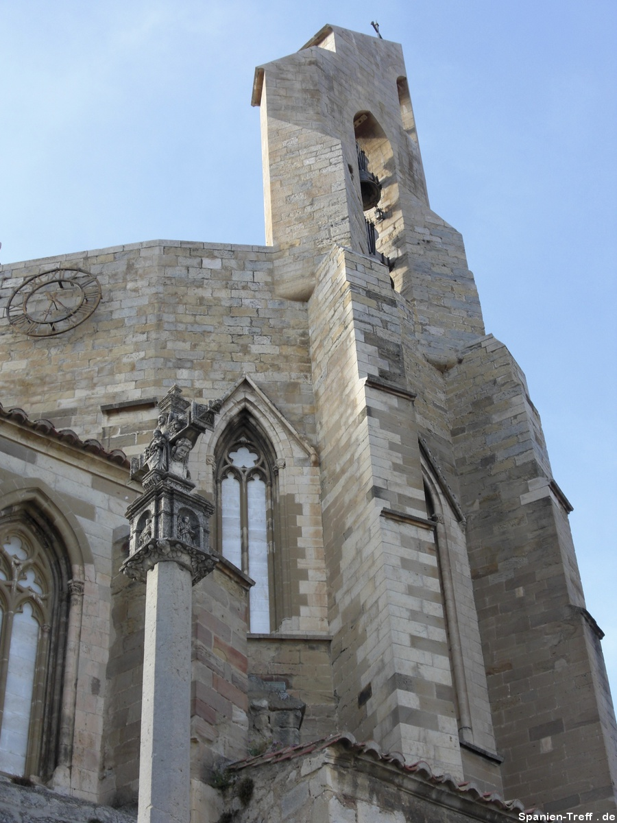 Kirche mit Glockenturm in Morella