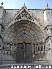 Eingang zur Kirche in Morella
