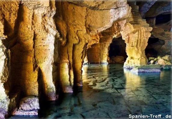 Salzwassergrotte in Spanien.