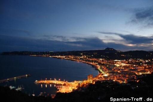 Nachtpanorama in Spanien